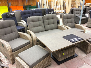 The cappuccino rattan sofa set
